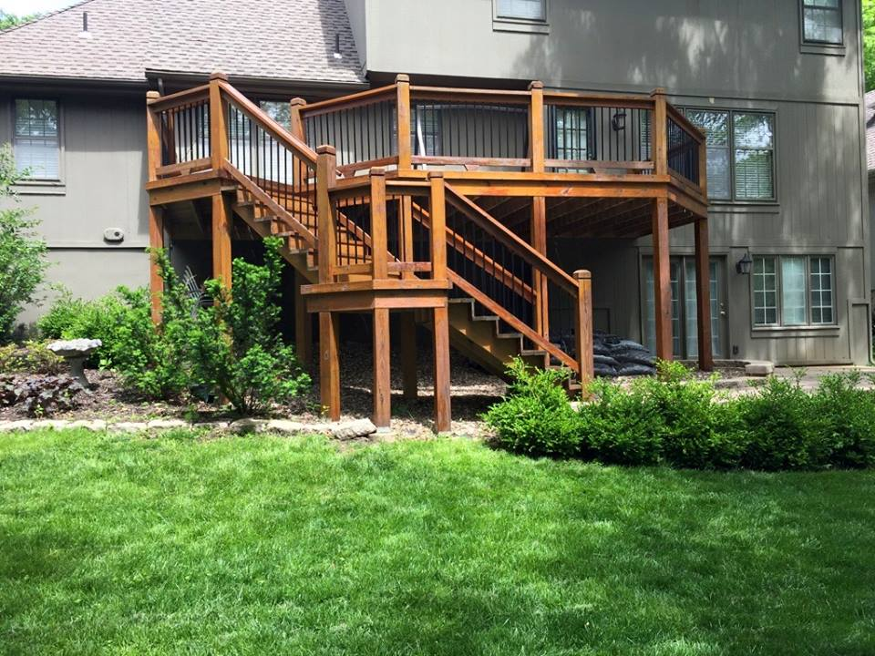 Deck staining Kansas City by Recreation Installations